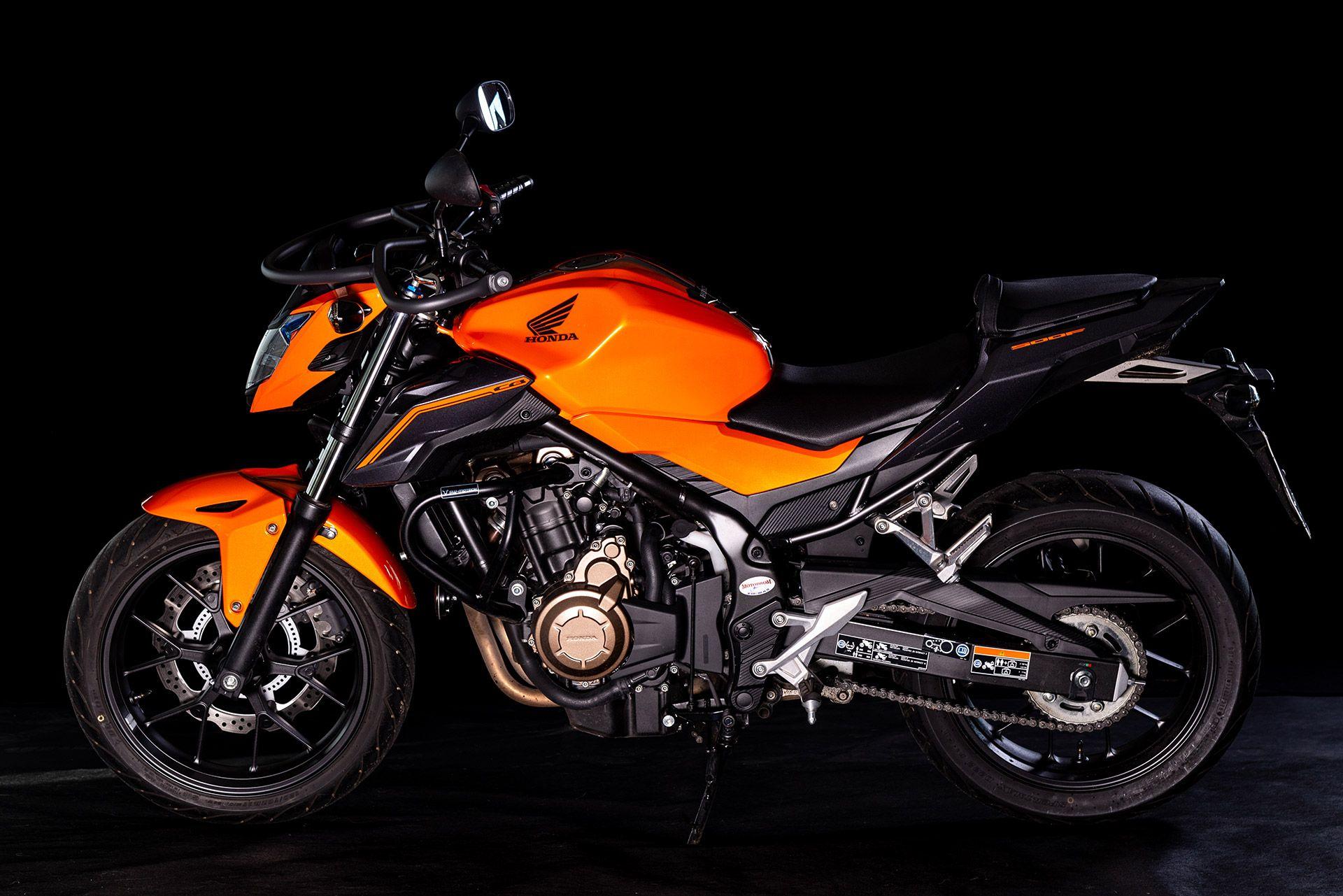 Fahrschule Berlin allroad Motorrad Honda CB500 von sder Seite