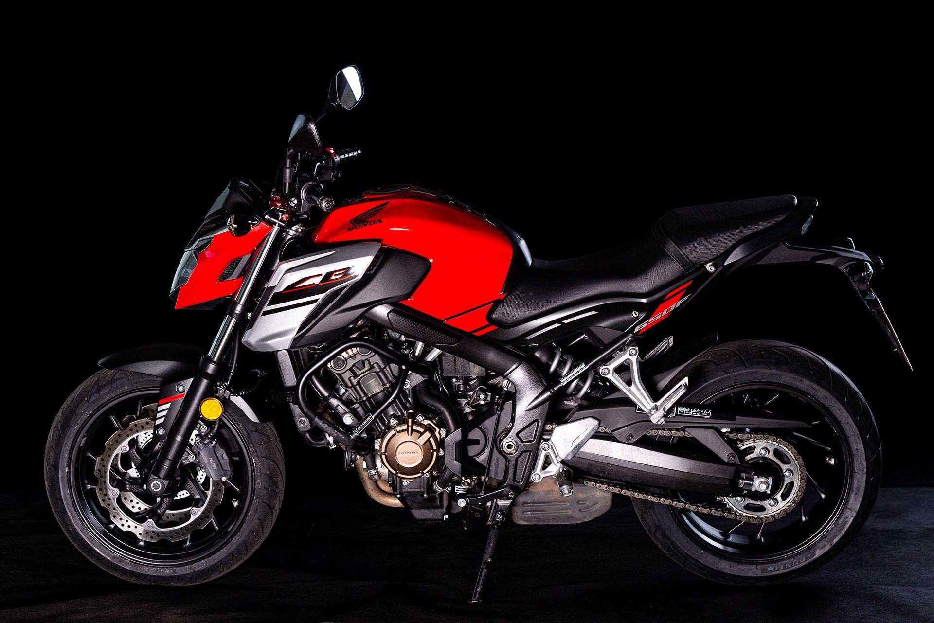 Fahrschule Berlin allroad Motorrad Honda CB650F Seitenansicht
